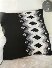 KNITTING PATTERN Nordic Style Cushion Cover Monochrome Button Fastening Chunky