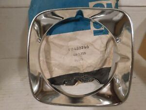 480746 1971 Pontiac Bonneville, Executive, Catalina RIGHT INNER Headlamp Bezel
