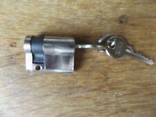 40MM CYLINDER LOCK  HALF WITH 2 KEYS 10-30 CHROME PLATED