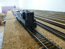 HO scale Athearn SD9 DC only
