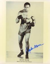 Archie Moore signed b&w boxing photo 1916-1998