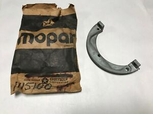 1937-1959 PLYMOUTH DODGE CHRYSLER NOS MOPAR FLAT SIX FRONT END OIL SEAL PLATE