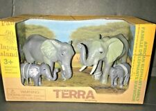 TERRA by BATTAT - AFRICAN ELEPHANT FAMILY PLAY SET - NEW - FREE SHIPPING