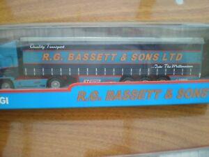 Corgi TY59539 ERF Curtainside R.G. Bassett & Sons LTD