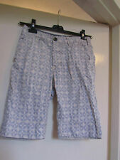 Primark Mens Off White & Blue Floral Cotton Shorts in Size 30 in.