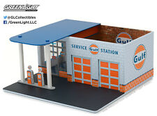 1:64 Greenlight *MECHANICS CORNER* GULF OIL GAS STATION Diorama Building NIB!