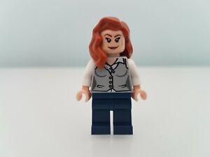 Lego Lois Lane Minifigure from DC Comics set 76009