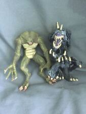 "RESIDENT EVIL 2007 SERIES 2 HUNTER 7"" & THE MANGLER 1997 8"" ACTION FIGURES"