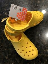 Crocs Birthday Classic Yellow M8/W10
