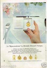 Publicité advertising 1980 Les Médailles d'Amour A.Augis
