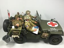 1/6 82ND AIRBORNE PARATROOPER MEDIC JEEP +3 FIGURES+GEAR WW2 DRAGON BBI DID