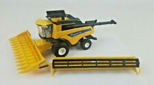 ERTL 1/64th New Holland CR9.90 Combine with both heads