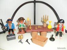 playmobil scène pirates trésor barbares au tour d'une table pour un bon repas