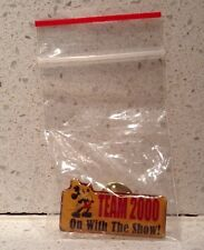 Disney Pin Disney Store Team 2000 On With the Show! Mickey Mouse DS Cast Member