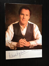 RICHARD DIGANCE - COMEDY ENTERTAINER - SIGNED COLOUR PHOTOGRAPH