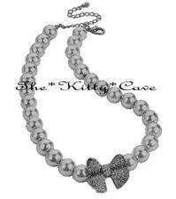 Collares y colgantes de bisutería grises de cristal