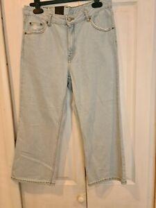 Fantastic Denim Cropped Jeans ~ Light Blue ~ Distressed Look ~ NWT ~  W32 L24