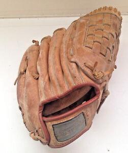 """Winner's Choice Right Handed Fielder's Baseball Glove 11"""""""
