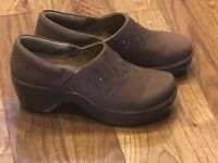 Ariat Women's Western Strathmore Studded Clog Mules Brown Style 21203 Sz 9 B