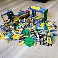 LEGO - Dino - Dino Defense HQ - 5857 Like New