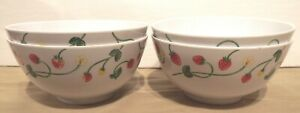 NICE SET OF 4 STRAWBERRY SOUP CEREAL BOWLS