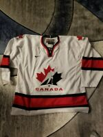 Team Canada Jersey Hockey Large Brand New With Tags (Nike)