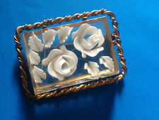 Vintage Broche Intaille Roses Lucite / French Intaglio Brooch