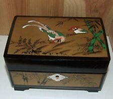Boite à bijoux musicale vintage TOYO bois Laqué décor oiseaux Japon