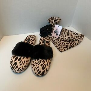Victoria's Secret Medium (7-8) Signature Satin Slipper W/ Bag Leopard Print