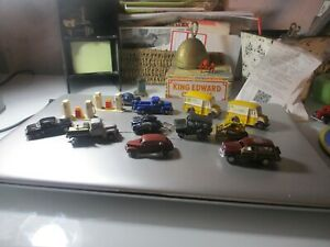 UNBRANED CAR AND TRUCKS METAL AND PLASTIC NICE VINTAGE GAS PUMPS HO SCALE
