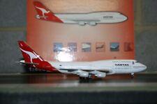 Blue Box/BBOX 1:400 Qantas Boeing 747-400 VH-OJA Die-Cast Model Plane