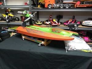 RARE!!!   AQUACRAFT AirForce .46cc nitro power RC Air Boat.