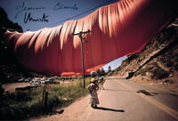 CHRISTO & JEANNE-CLAUDE - Repro-Autogramm, 20x30 cm, Valley Curtain, signed