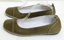 Rivers olive green flat shoes ~ Size 8