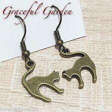 ER2836 Graceful Garden Vintage Style Silhouette Fighting Cat Dangle Earrings