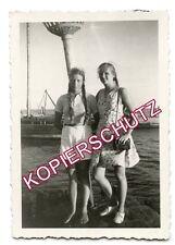 Orig Foto BDM Mädchen mit langen Zöpfen bei Ausflug an die See 1941