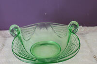VINTAGE FENTON GREEN VASELINE CANDY DISH WITH TWIN SWAN HEAD HANDLES