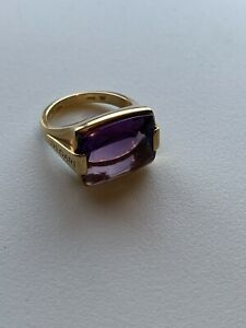 Bvlgari 18 K Yellow Gold Metropolis Ring With Amethyst