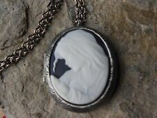*VIRGIN MARY AND BABY JESUS CAMEO ANTIQUED SILVER PLATED LOCKET - RELIGIOUS