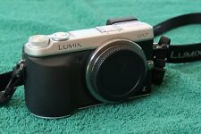 Panasonic LUMIX DMC-GX7MFT-Digitalkamera - Silber (Gehäuse)