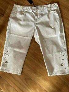 SALE ts Taking Shape Crop Pants Petite Size 22 White Hot Spot Crop  style NWT