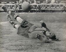 1931 Original SOCCER FOOTBALL Sports Art Photo Gravure MARTIN MUNKACSI Frame Rdy