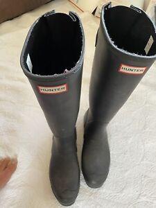 Hunter Women's Original Tall Black Rubber Rain Boots Size 10