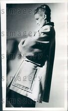 1946 Lovely Woman Models Creed of London Topcoat Press Photo