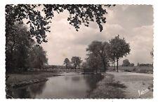 marcilly-en-villette  les bords de la rivière