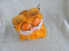 1981 R. Dakin sitting plush Garfield