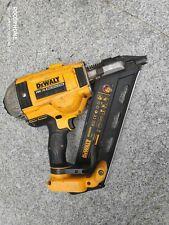 DEWALT DCN690