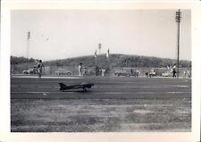 Snapshot avion aéromodélisme modelisme maquette aviation meeting vers 1970