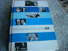 1976 Encyclopedia Year Book - Grolier - Important & life changing events of 1976