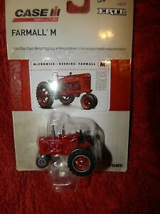 Farmall M Toy Tractor NEW SEALED 1/64 Scale Die Cast Metal 1:64 International IH